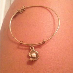 Alex & Ani Oyster  Gold Tone Bracelet Pre-owned